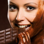 Comer chocolate emagrece ou engorda?