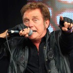 Cantor Alvin Stardust morre aos 72!