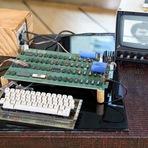 Tecnologia & Ciência - Um dos primeiros computadores Apple, é vendido por 905 mil dólares