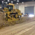 Caterpillar: 120 toneladas de trator movidos a controle remoto! Incrível!