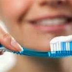 Saúde - Você sabia ? Pastas de dentes são diferentes e devem ser indicadas por dentista
