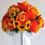 Arranjo de flores vermelhas e amarelas – Saiba como e quando usar