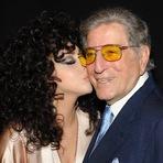 Celebridades - Lady Gaga: Tony Bennett me deixou tão nervosa que eu precisava beber uísque!