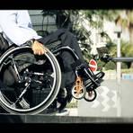 Cadeira de rodas por comando de voz: brasileira