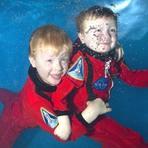 Fotos - Especializada em fotografias sub-aquáticas de bebês, crianças e adultos, Lucy Ray, faz ensaios surpreendentes. Confira!