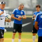 Receitas do Corinthians despencam, e clube cogita vender jogadores