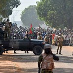 Internacional - Exército assume poder em Burkina Faso
