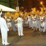 Na Praça Seca, cariocas protestam contra falta de água em SP.