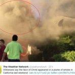Testemunhas de um incêndio na Califórnia, EUA disseram acreditar ter visto o rosto de Jesus na cortina de fumaça