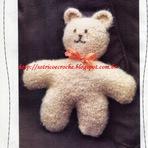Moda & Beleza - Ursinho Feito em Tricô com Lã para Tapete!