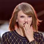 Taylor Swift retira toda sua discografia do Spotify