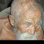 Banglore Indiano afirma ser o homem mais velho do mundo com 179 anos