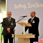Internacional - Testemunhas de Jeová se reúnem em estádio olímpico na Grécia