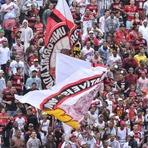 Na luta contra a degola, Vitória recebe o São Paulo no Barradão