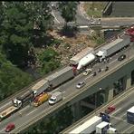 Acidente com oito veículos deixa um morto na Rodovia Castello Branco