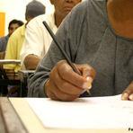 Educação a distância contribui para a alfabetização de jovens e adultos