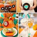 Decoração de festa de casamento nas cores laranja e azul