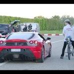 Esportes - Ciclista francês atinge 333 km/h em bicicleta equipada com foguete