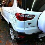 Novo Ecosport branco com bancos de couro preto