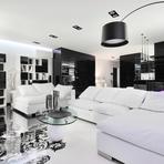 Decoração preto e branco dão ar sofisticado a apartamento