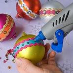 Vejam como fazer bolas de natal personalizadas