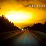 Internacional - Cientistas perplexos pela misteriosa explosão no céu da Rússia