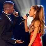 Ariana Grande se Apresenta com Big Sean em Especial de Natal do Grammy 2014