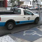 """Foto """"plantada"""" da Destra em """"estacionamento irregular"""" é antiga e sem lógica"""