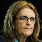 Presidente da Petrobras precisa 'gerir turbulência e reconquistar credibilidade'.