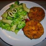 Culinária - Macarronada de brócolis c/ berinjela panada!