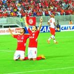 Esportes - América derrota o Náutico e segue vivo na Série B