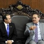 Diversos - Com nomeação de Armando para ministério, Douglas Cintra volta ao Senado