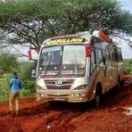 Grupo terrorista ataca ônibus e mata 28 Cristão no Quênia