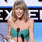 Celebridades - Taylor Swift se Destaca no American Music Awards 2014