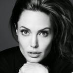 Angelina Jolie diz que prefere dirigir filmes, mas não deixará de atuar