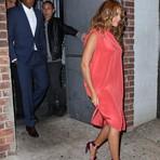 Celebridades - Conheça a sandália de 2.300 reais de Beyoncé