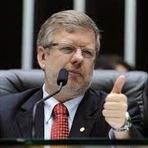 Desenrolo entre Relator da CPI da Petrobrás e seu ex-diretor