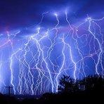 Fim dos Tempos: Tempestade de raios com granizos gigantes vira aviões e provoca caos na Austrália