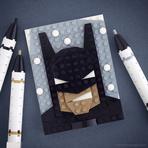 Aficcionado em LEGO recria personagens com peças do brinquedo