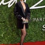 """Rihanna é Destaque no """"British Fashion Awards 2014"""""""