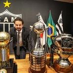 Futebol - Os cruzeirenses piram nos títulos do Atlético