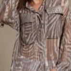 Blusas transparentes estampadas