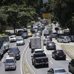Uso de carros aumenta em dez anos e Região Metropolitana passa a ter três horários de rush