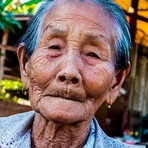 Poesias - Poema: Olhe nos olhos de um idoso e veja o teu destino...
