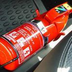 OBRIGATÓRIO: Todos os veículos terão de usar o novo modelo de extintor a partir de janeiro de 2014