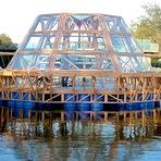Estufa flutuante dessaliniza a água e permite o plantio em alto mar