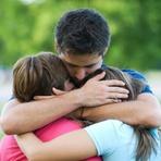 Saúde - Abraços protegem contra estresse, depressão, infecções e gripes, diz estudo