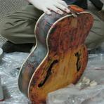 Música - Como cuidar do acabamento de sua guitarra