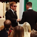 Elton John se Casa Oficialmente com David Furnish