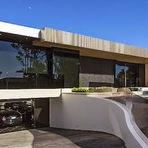 Veja a casa que o criador do jogo Minecraft comprou em Beverly Hills